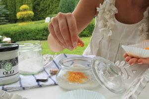 Dodaj skórkę pomarańczy do peelingu